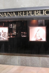 Banana Republic Rockefeller Center window display